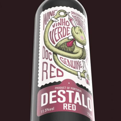 Destalo Vinho Verde Red bottle (3)